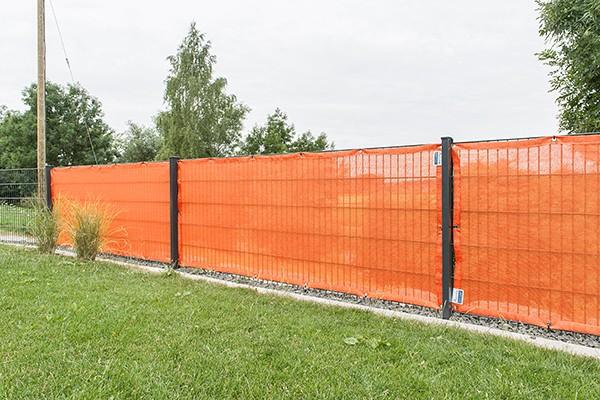 Windschutznetz am Zaun