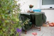 Abdeckplane für die Terrasse im Garten